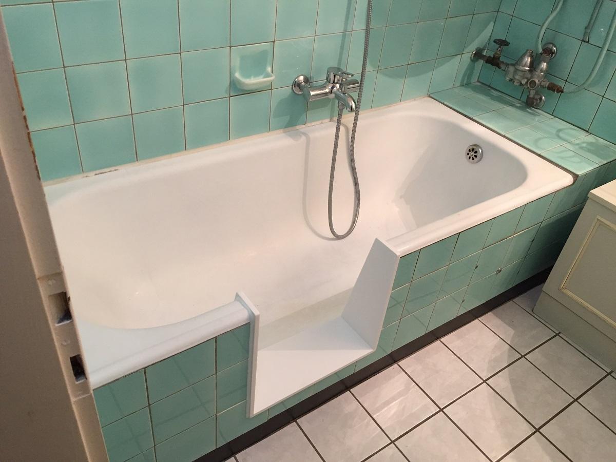 baignoire avec porte d 39 acc s transformer une baignoire en douche. Black Bedroom Furniture Sets. Home Design Ideas