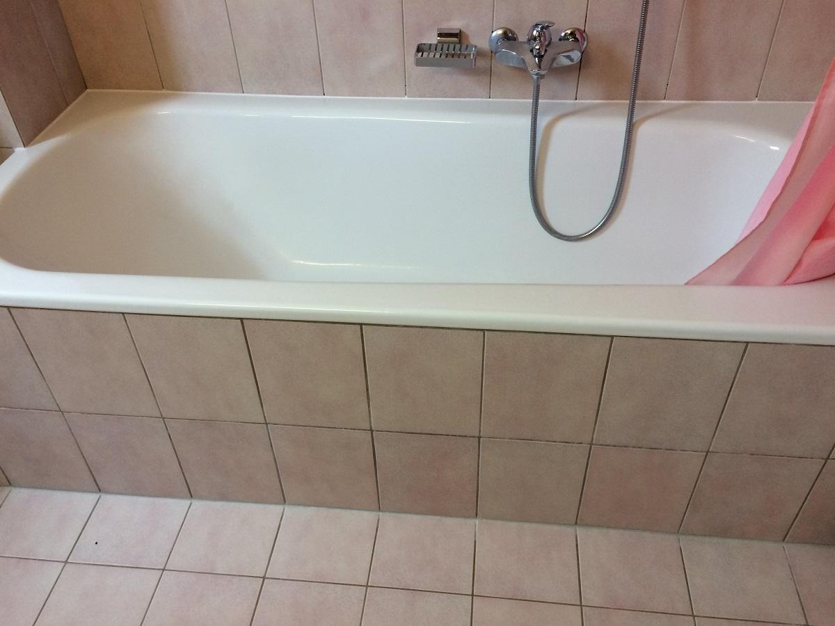 baignoire avec porte baignoire senior adapt e pour. Black Bedroom Furniture Sets. Home Design Ideas