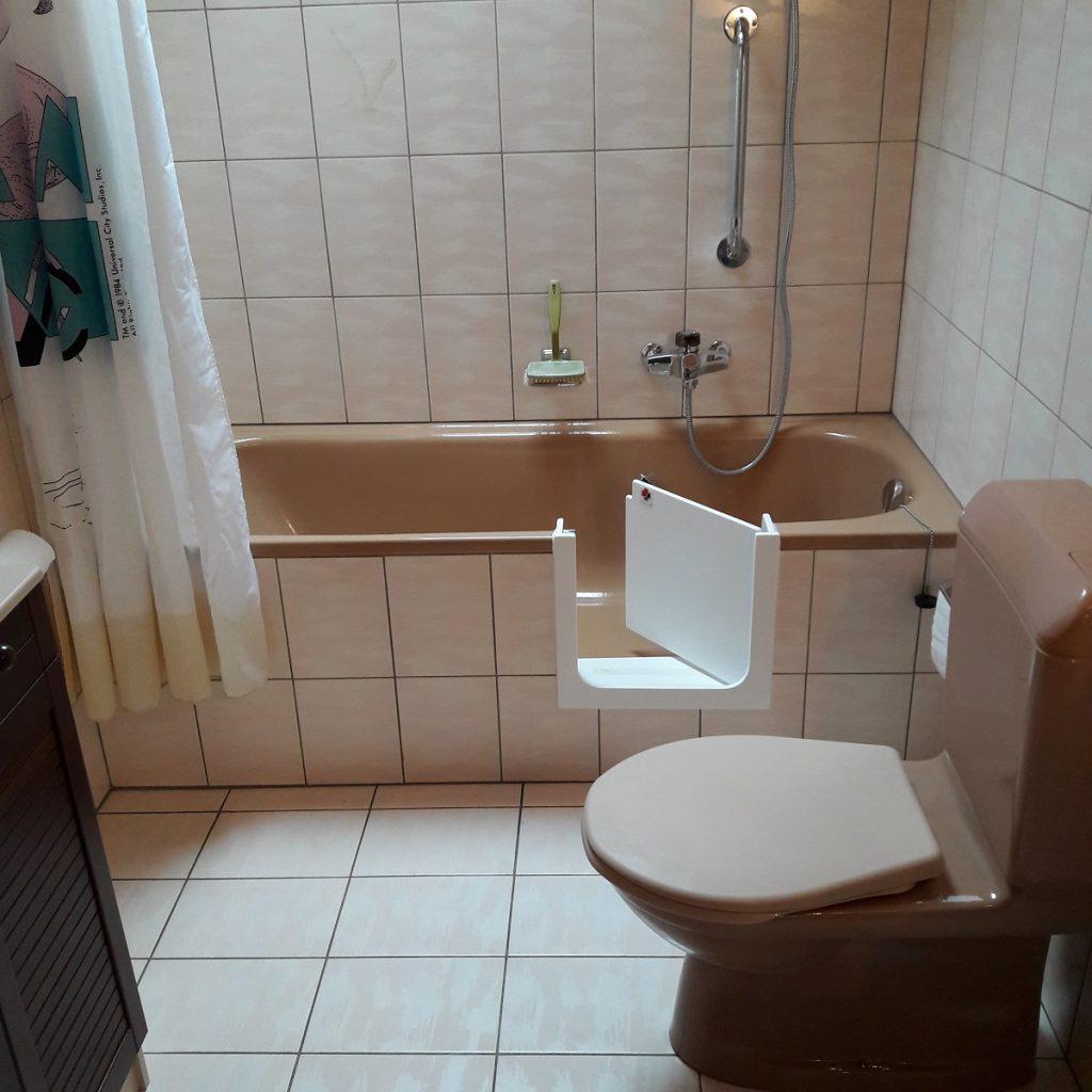 Ajout d'une porte sur une baignoire existante